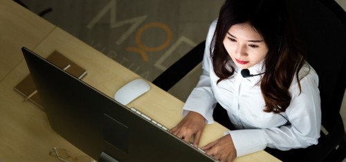 myoutdesk virtual assistant working at her computer virtually